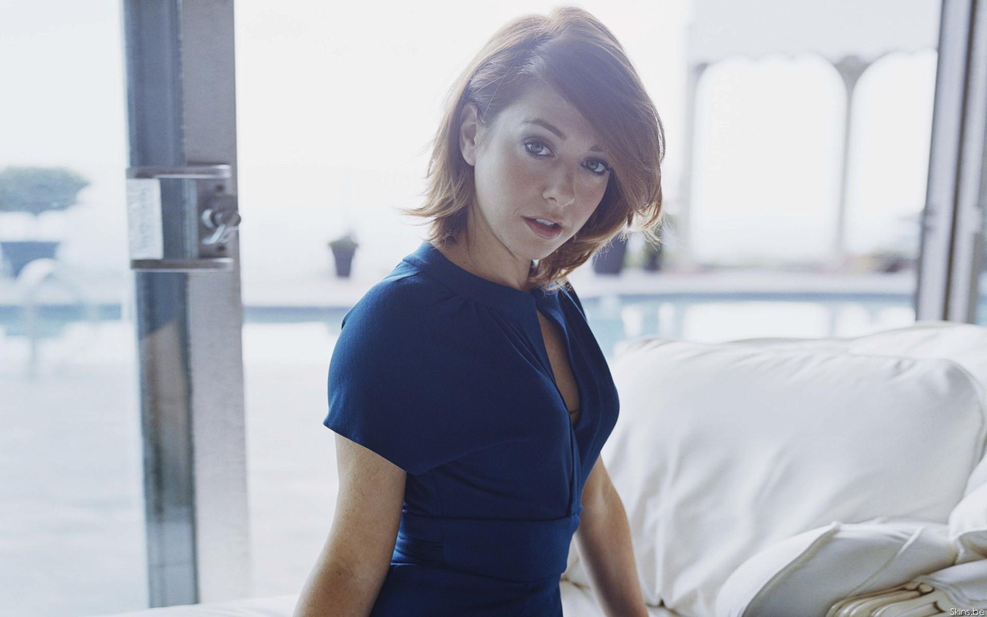 Women Alyson Hannigan Actress Redhead Blue Clothes Blue Clothing Short Hair Wallpaper Resolution 1920x1200 Id 375668 Wallha Com