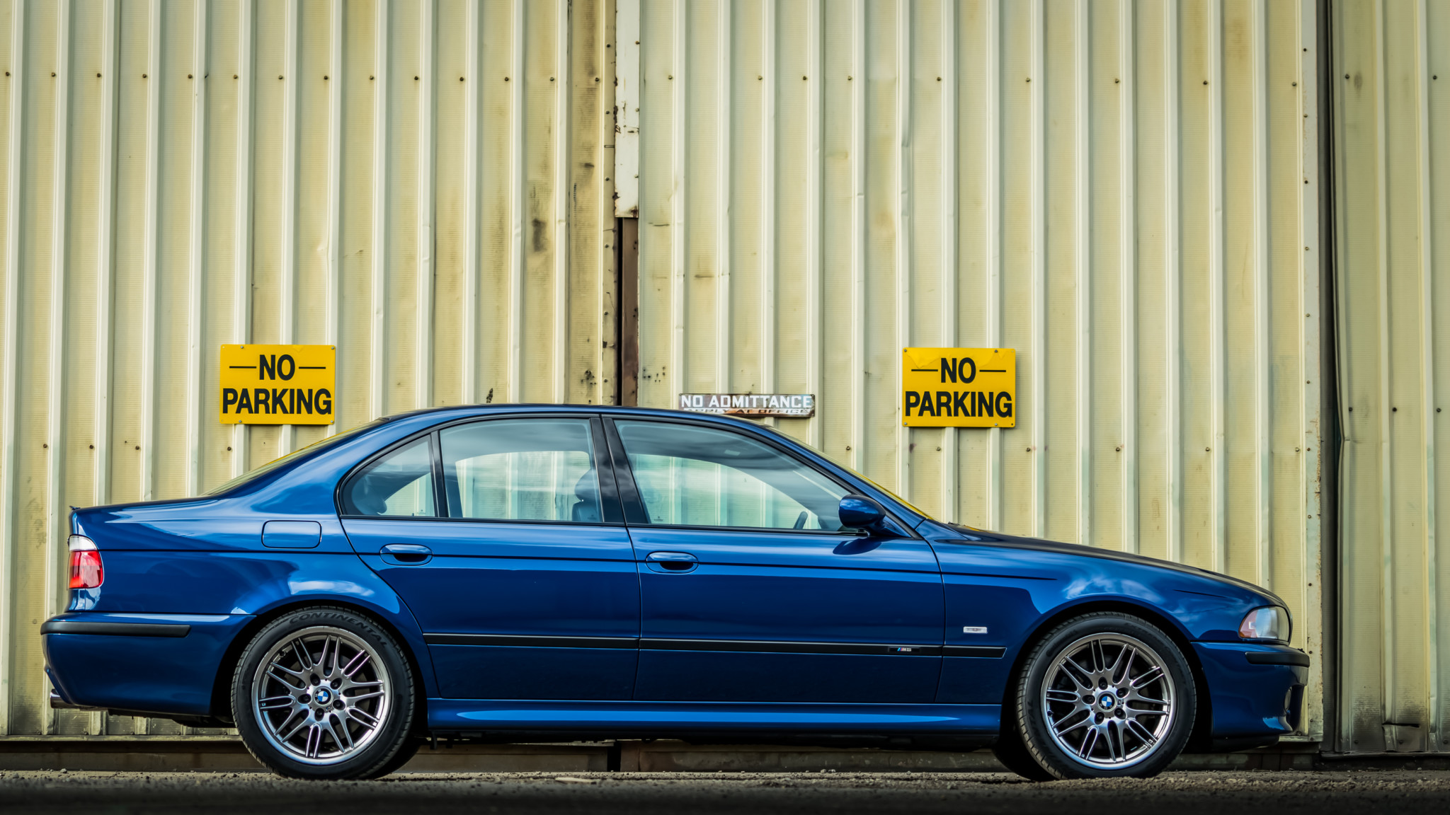 Car Bmw Bmw M5 Blue Blue Cars Side View Vehicle E39 Bmw 5 Series Bmw E39 Wallpaper Resolution 2048x1152 Id 634585 Wallha Com