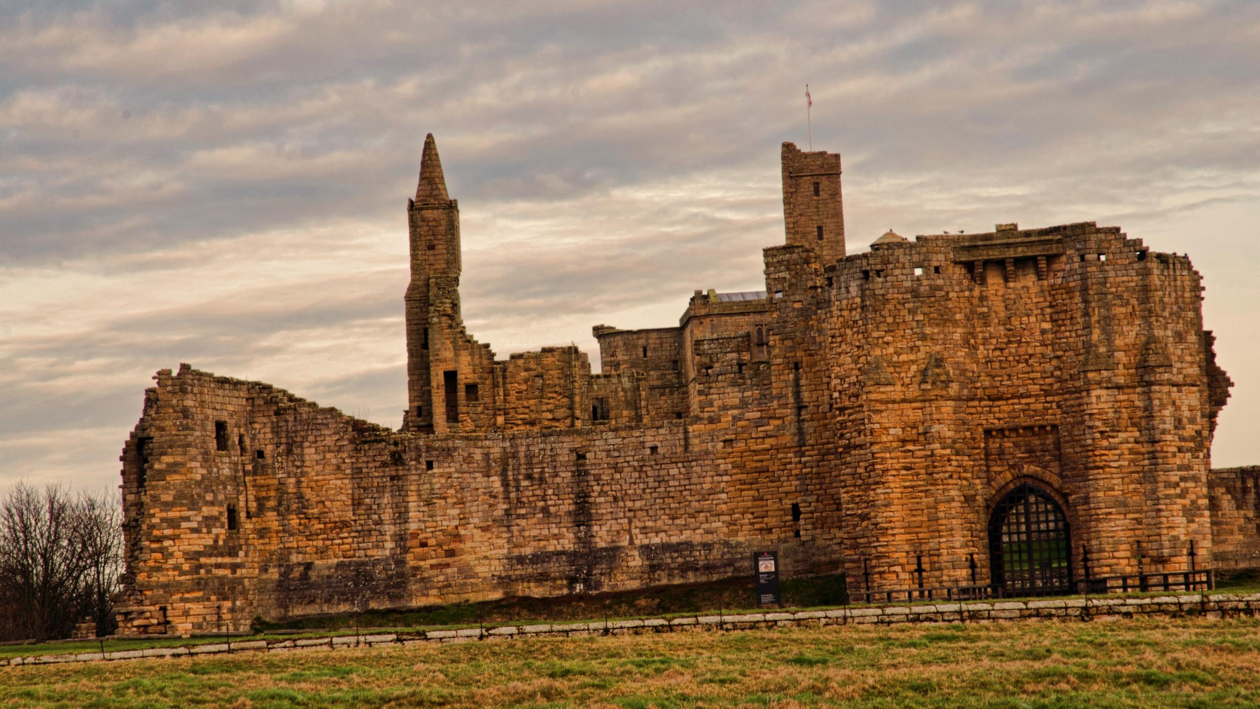 Man Made Warkworth Castle 2560x1440