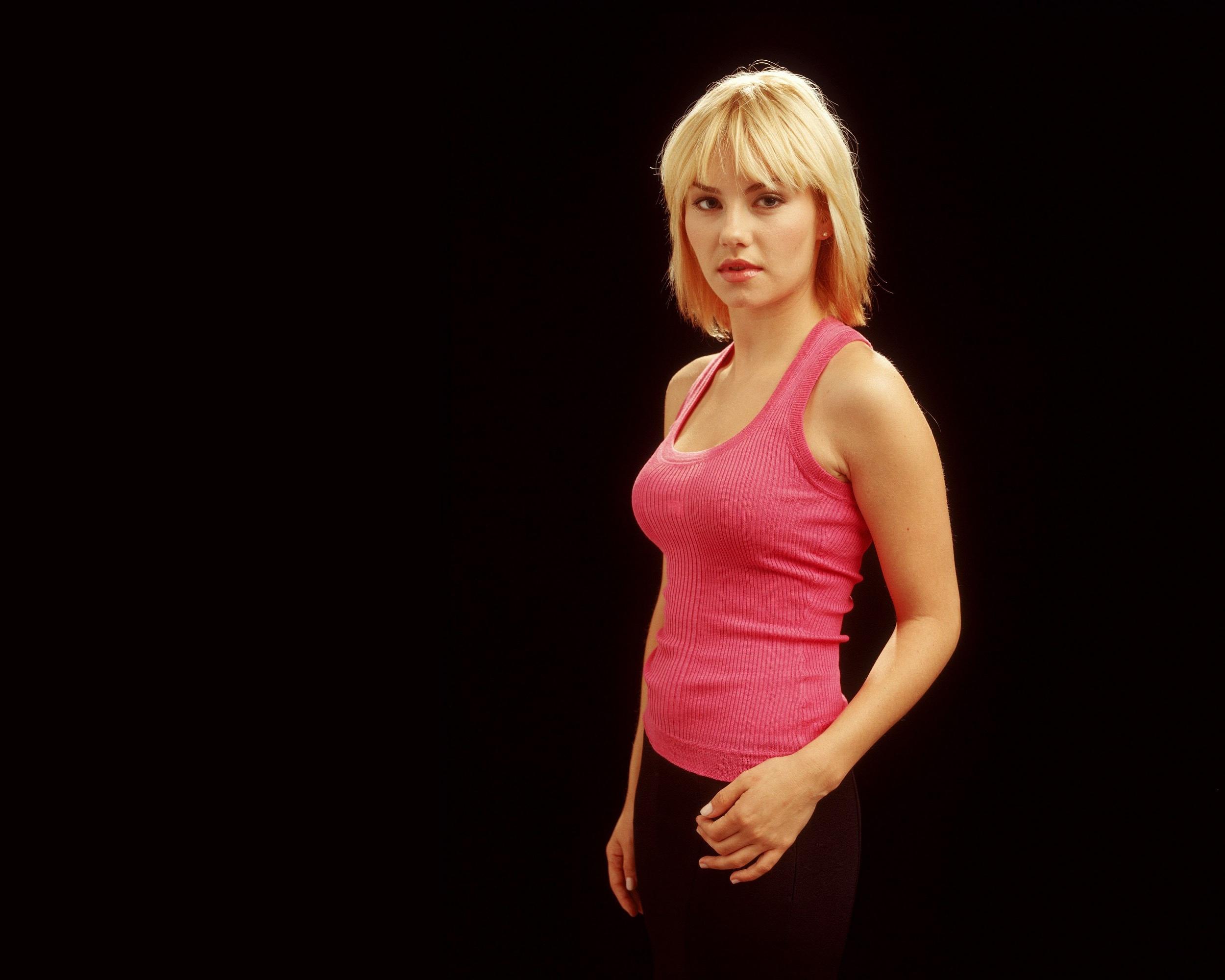 Elisha Cuthbert Actress Canadian Blonde Short Hair Wallpaper Resolution 2500x2000 Id 750483 Wallha Com