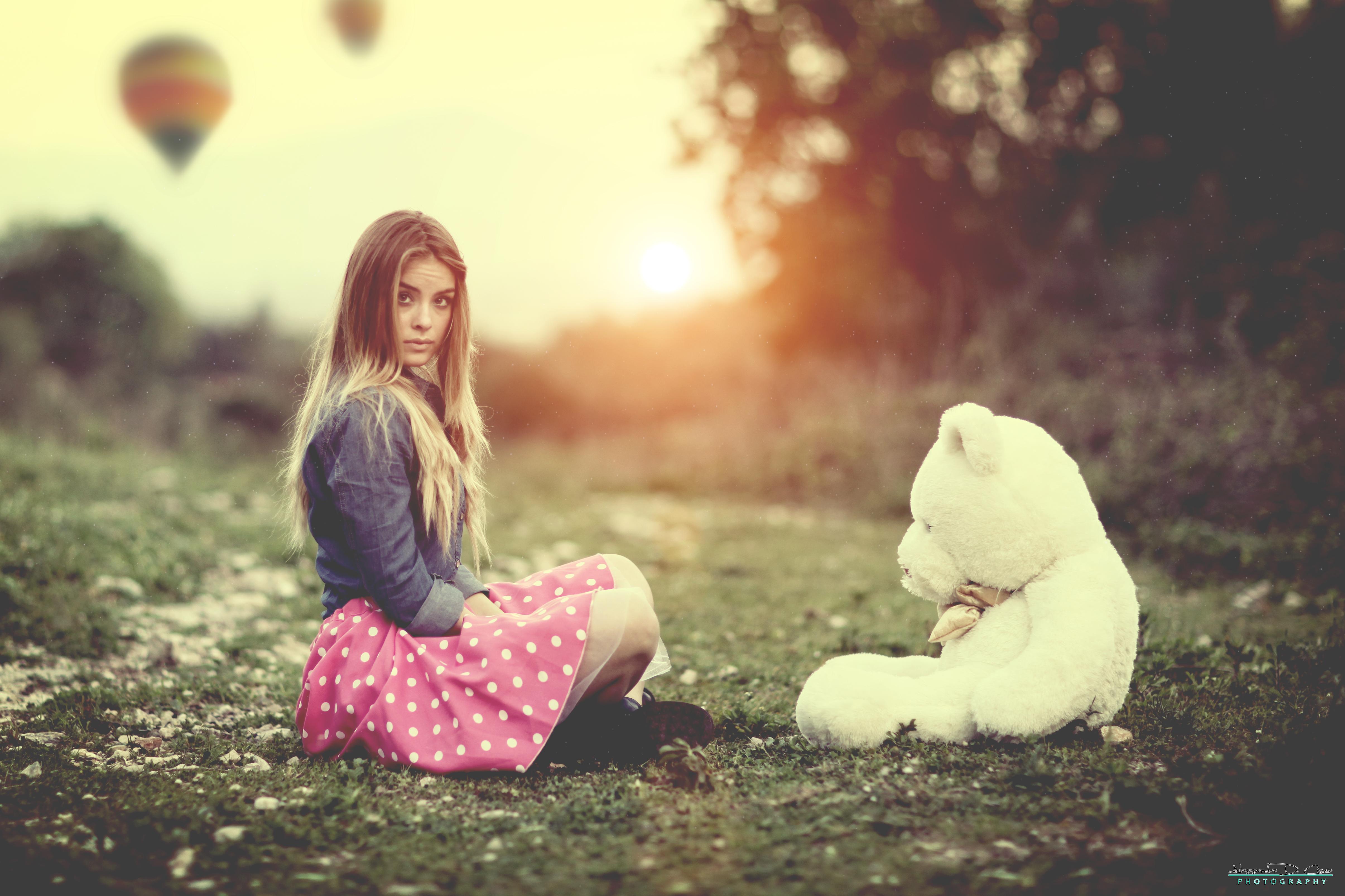 Blonde Blur Model Teddy Bear Woman 4821x3214